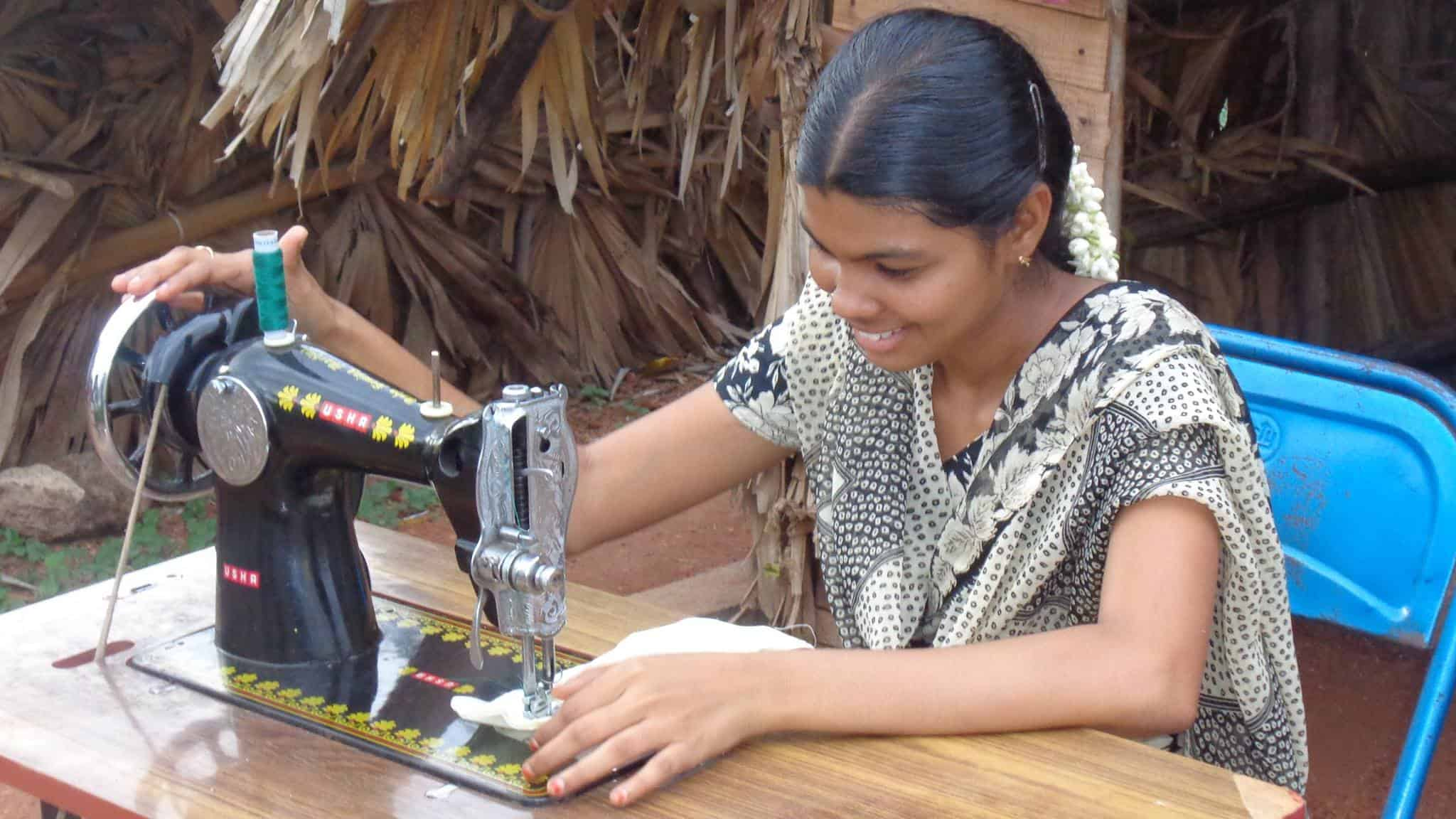 Sewing-Machine_250